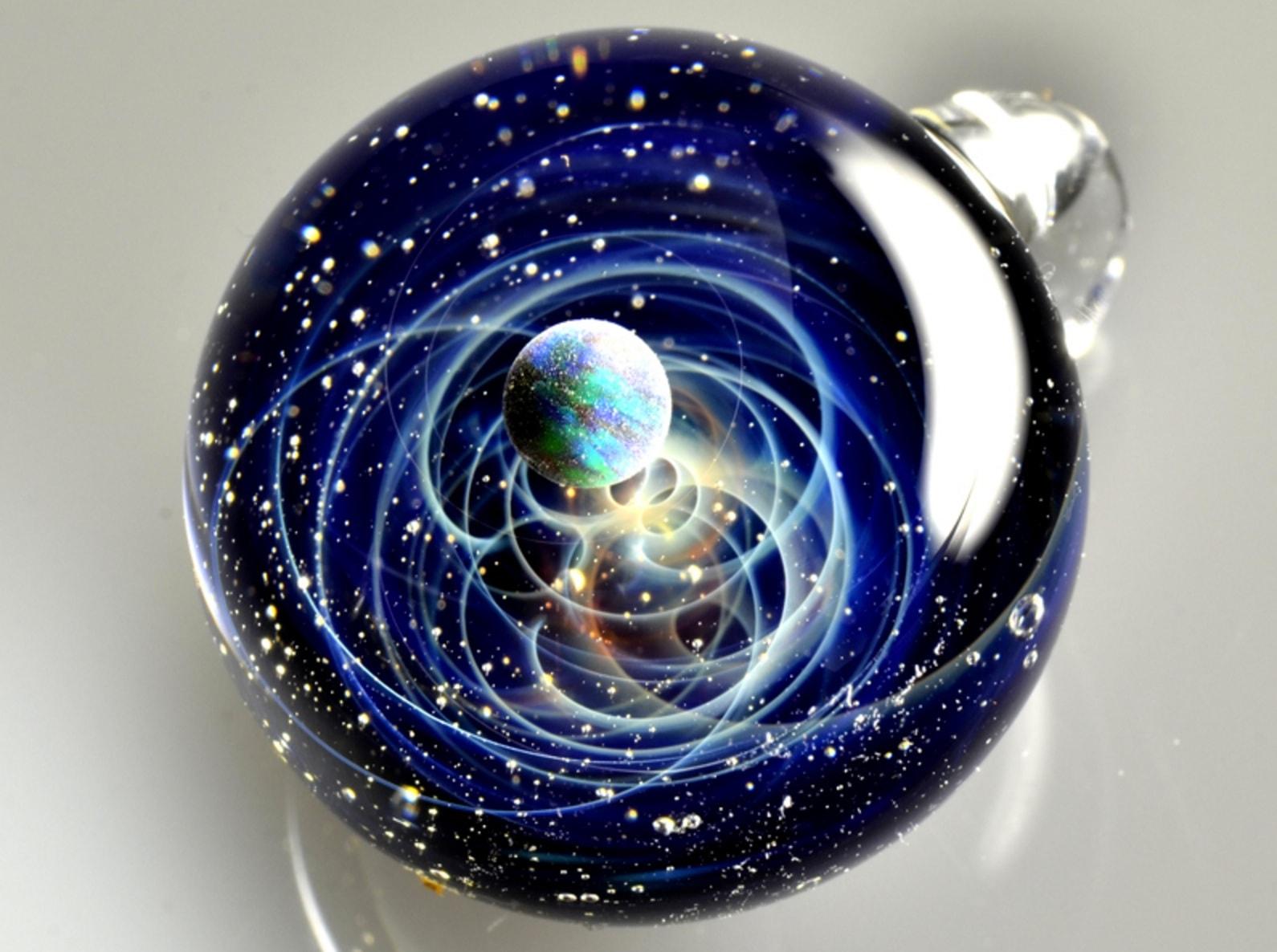 宇宙ガラス写真-min