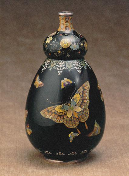 「蝶図瓢形花瓶」高18.0cm
