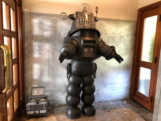 映画『禁断の惑星』のロビー・ザ・ロボット